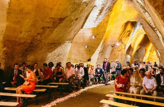Insolite Cérémonie Cave